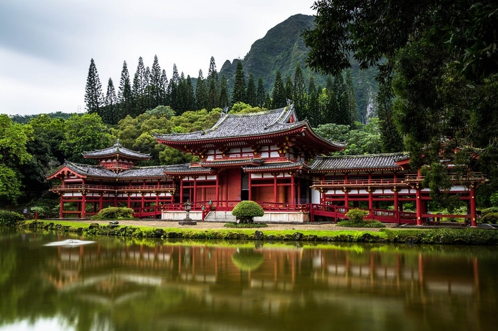 Byodo-In Temple in the Ko'olau Mountains, Hawaii